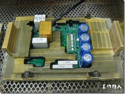电路板上防潮绝缘抗腐蚀的三防漆-3